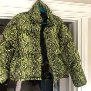Prettylittlethings snake skin green jacket
